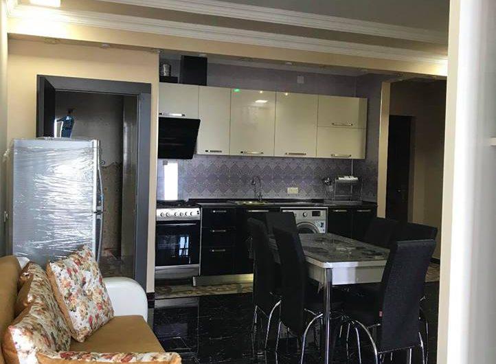 арендуется 2х комнатная квартира 300$