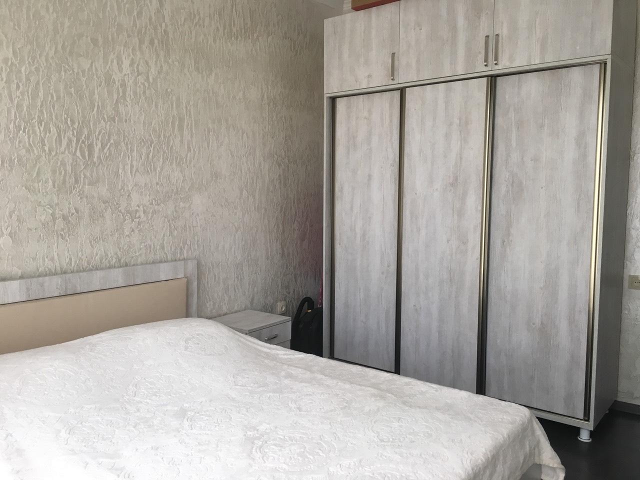 аренда 4х комнатная квартира 400$