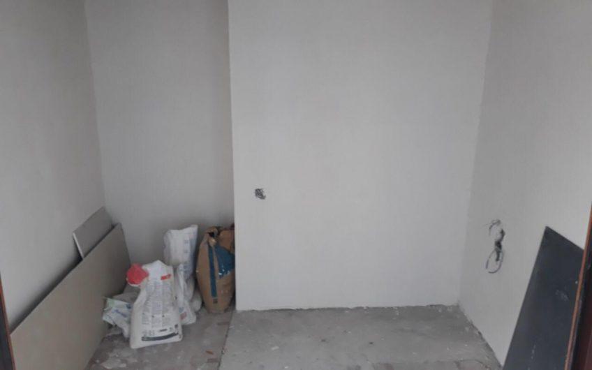 продается 2x комнотная квартира 48000$