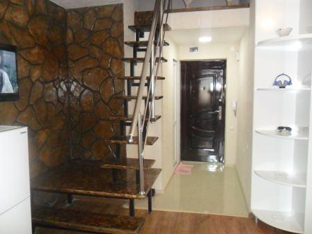 арендуется 2x комнатная квартира 200$